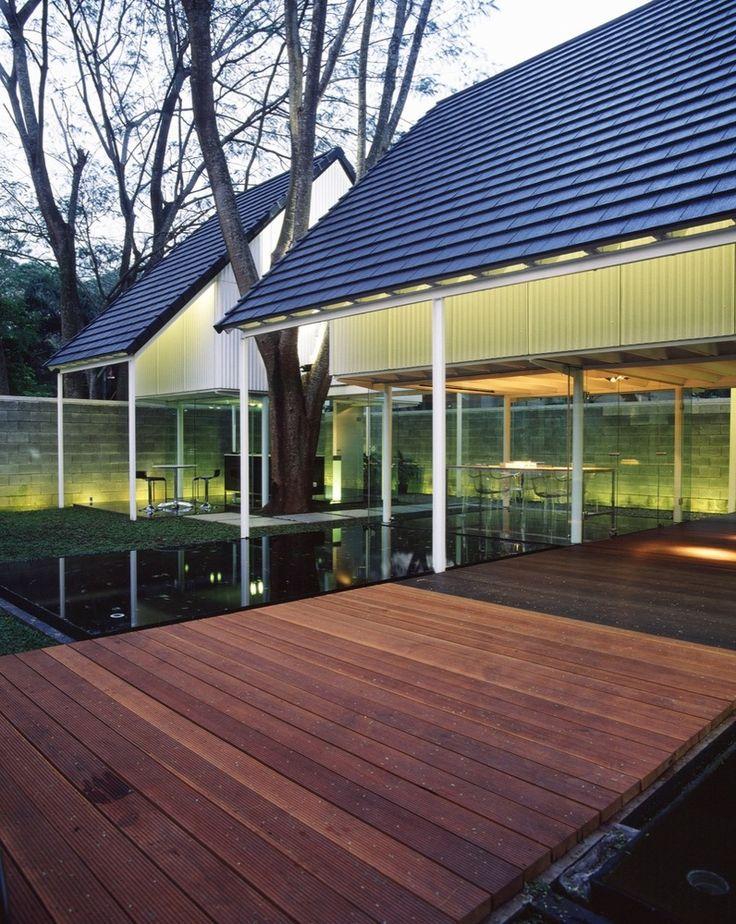 Gallery of Floating Studio / Studio Air Putih - 1