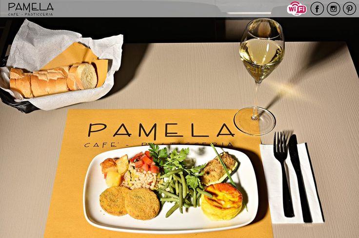 Sei stanco del solito panino? In pausa pranzo vieni alla Pasticceria Pamela!  Ogni giorno una vasta scelta tra antipasti, primi, secondi piatti e, ovviamente, dolci! In più, per te, le specialità del giorno!   #pasticceriapamela #modena #pranzo
