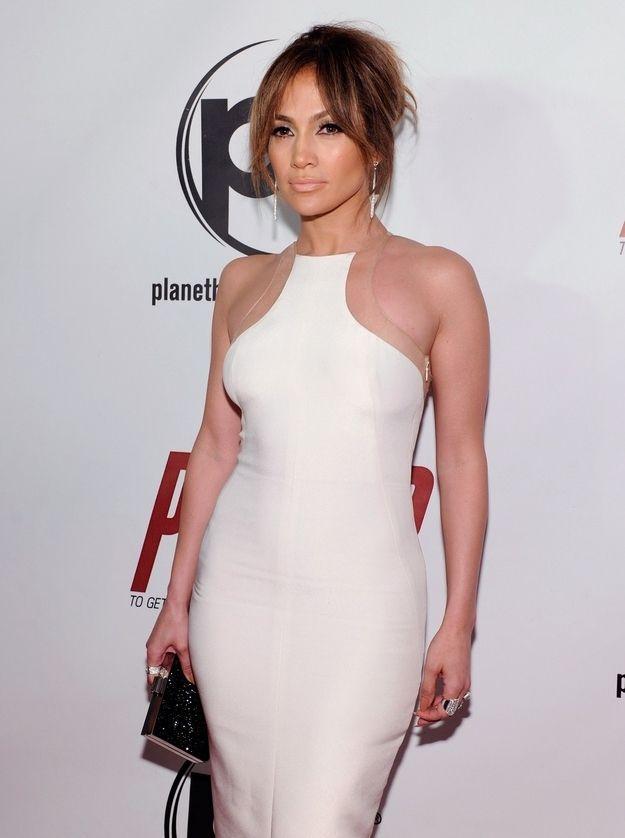 Jennifer Lopez's Futuristic-Looking, Gravity-Defying Dress