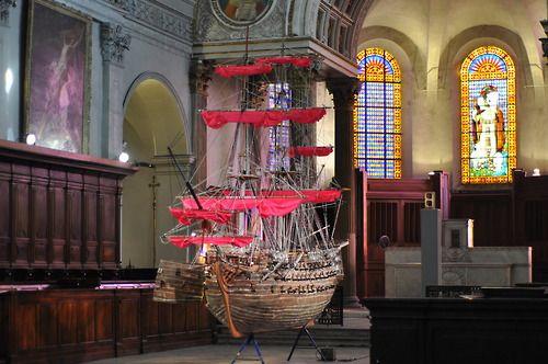 Biennale de Lyon, Tom Sachs, Barbie Slave Ship, 2013 Eglise Saint-Just