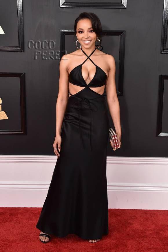 Grammy Awards 2017: Tinashe walks the red carpet.