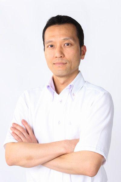 ゲスト◇齋藤浩尉(Yasuhiro Saitou) 1975年神奈川県横浜市、旋盤屋の3代目として生まれる。専門学校日本ホテルスクール卒業後、品川駅前にあるパシフィックホテル(現・シナガワ グース)に入社。ベルボーイとして勤務。金融業に転職後、家業である(有)齋藤製作所に就職。家業に就いてからはホームページを使った営業を進め「senbankakou.com」を取得。製造業のホームページコンテスト 「エミダスホームページ大賞2003」にて、「町工場賞」を受賞現在では売り上げの7割がインターネットを切欠にお付き合い頂いたお客様となっている。航空宇宙部品、医療用部品、自動車部品などから釣り具、玩具などまで多種多様の部品提供を行っており、世界に向けた商品としては、ヨーヨー世界チャンピオンと一緒に、ヨーヨーブランド「TurningPoint」を運営し、世界チャンピオン使用機種を提供し続けている。
