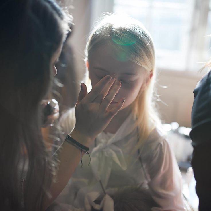 #BTS @minimode_lkfw. @daisy_maydemetre_zebedee @zebedee_management getting her makeup did by @wowbeaute wearing @amelieetsophie photo @emmawrightphotography stylist @beckyseager assistant @kate_e_hill  #minimode #lfw #lkfw #kidsfashion #kidsempowerment
