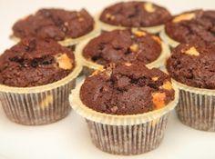 Csokis muffin recept: Ezt a receptet egy cseh nyelvű honlapon találtam és egy picit tovább fejlesztettem. Egy adagnyi tésztából nekem 20 kisebb muffin jött ki, vagy 12 nagyobb. Extracsokis muffin recept! ;)