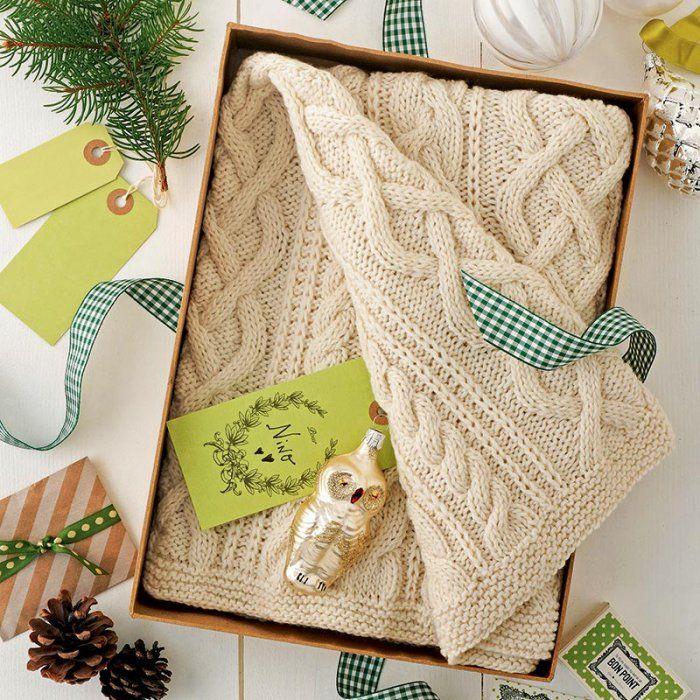 Tricoter un mini-plaid en cadeau de naissance