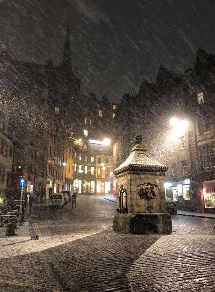 Victoria Street, Edinburgh during the snowfall
