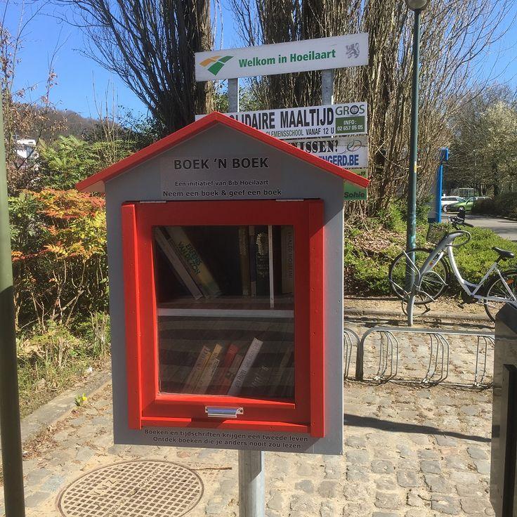 Hoeilaart - Boek 'n Boek (Boekenruilkast) Koldamstraat - A. Biesmanslaan