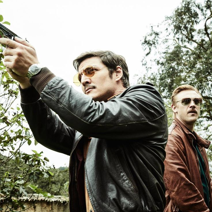 Pedro Pascal and Boyd Holbrook as Javier Peña and Steve Murphy in Narcos.