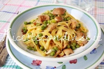 Ricetta Tagliatelle con piselli, funghi porcini e tuma dla paja Occelli