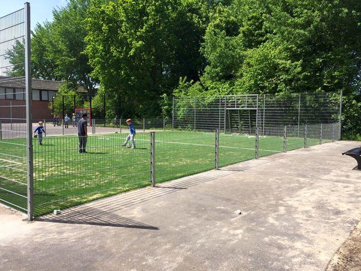 Voetbalkooi 10 x 20 meter met een LSR24mm kunstgras speelvloer.