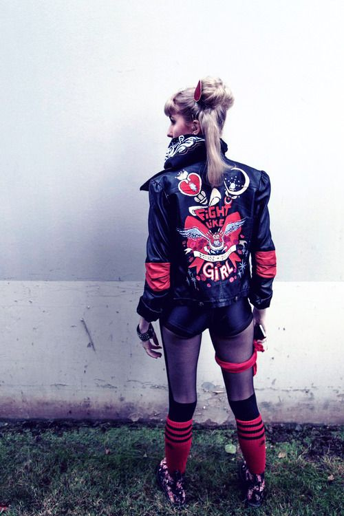 memymarie:  kateordie:  helenmask: Wanna Fight!  My punk / roller derby Sailor Moon, for Halloween 2014.  I made my jacket, bandana, and shirt.