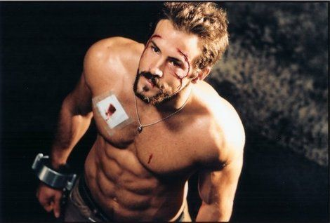 Ryan Reynolds in Blade Trinity /Just how I like my men, chained and shirtless. UNf