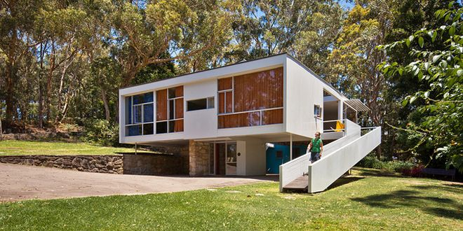 The Rose House by architect Harry Seidler is an exquisite example of Mid-century Modern Australian architecture