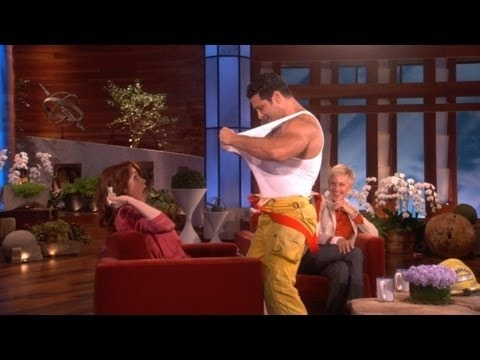 Ellie Kemper's Surprise Bachelorette Party on Ellen -- this is the funniest damn thing i've seen in a while!!!