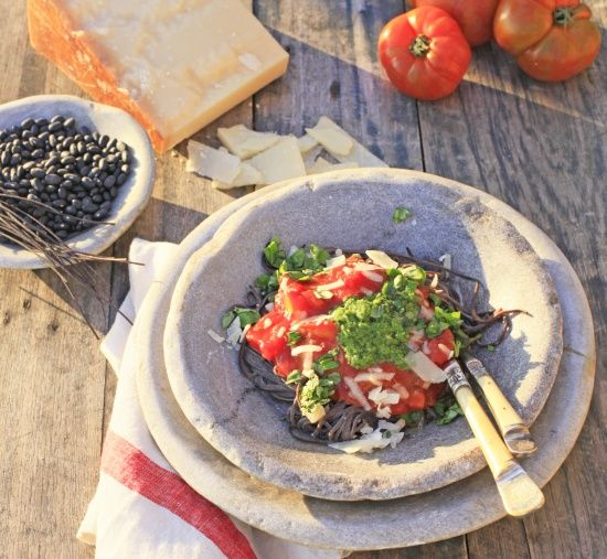 Healthy pasta made from black beans and homemade spicy tomatosauce. It tastes delicious...