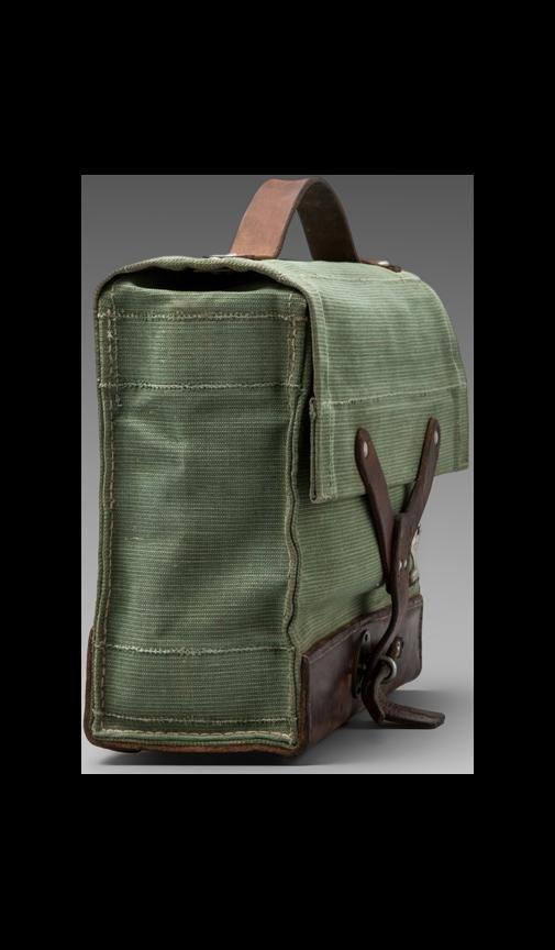 Купить WILL Leather Goods Сумка Repurposed Swiss Medic в цвете Ассорти в REVOLVE. Бесплатная доставка и возврат в течение 2-3 дней, 30 дневная гарантия лучшей цены