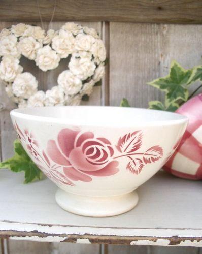 les 25 meilleures id es de la cat gorie vaisselle de porcelaine antique sur pinterest. Black Bedroom Furniture Sets. Home Design Ideas