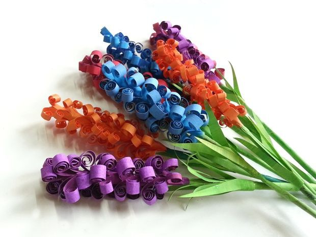 Picture of D.I.Y. Swirly Paper Flowers...These are pretty !