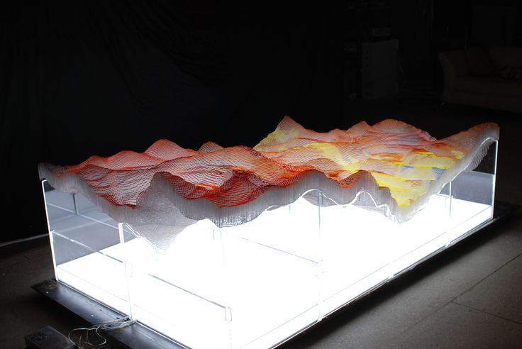 #Sculpture Sea of 0&1-Haiyan (Detail cut)   200 x 120 x 70cm     Pigment on acrylic block, Led light