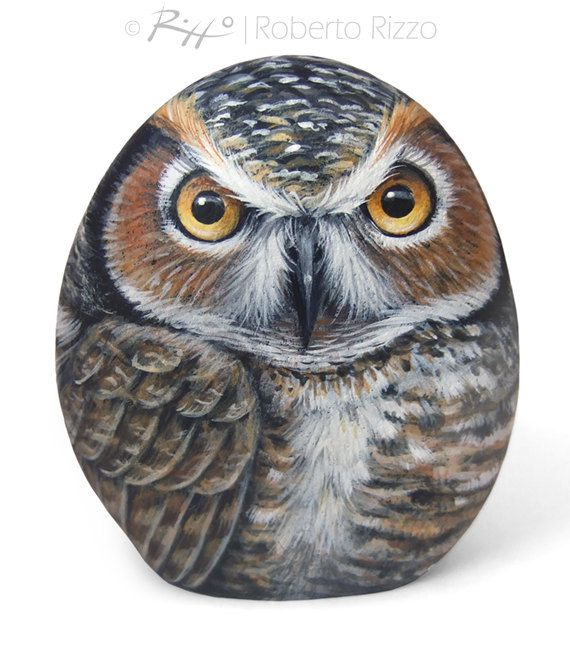 Hand Painted Rock Owl! A unique Piece of Art and a great Gift Idea for all of you, owl lovers!  My painted stones are unique pieces of art. I paint all of them on BOTH SIDES of smooth sea rocks with high quality acrylics and very small brushes, FINELY DETAILED, protected with a strong transparent mat varnish coat, signed on the back and accompanied by a CERTIFICATE OF AUTENTICITY.  * Measurements of this hand painted owl: Height 12 cm (4,5 in) *  ** I work with passion and love. My goal is…