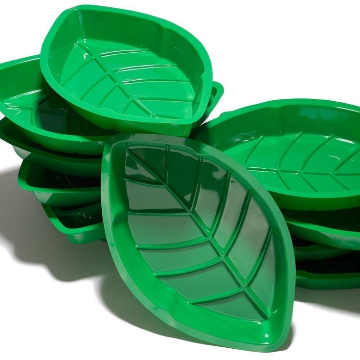 """Amazon.com   12"""" Palm Leaf Serving Trays (12 pack) (Green) Hawaiian Luaus Summer Tropical Party: Accent Plates"""