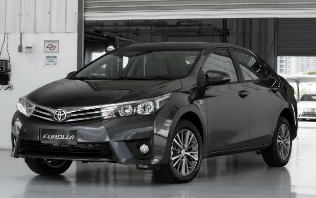 It is the family of the 2016 Toyota corolla, which can be the great choice for you.