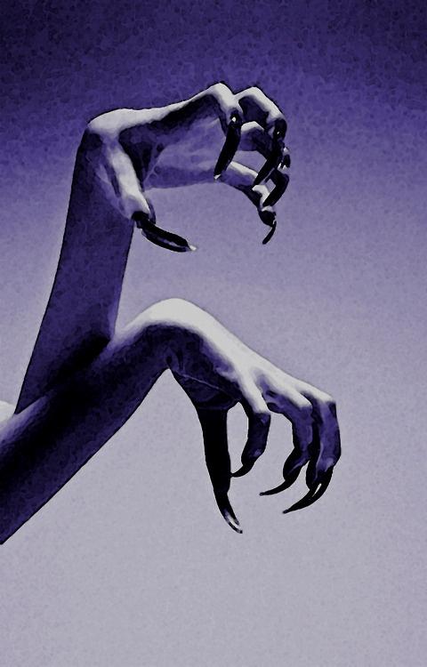 Snaky-nails