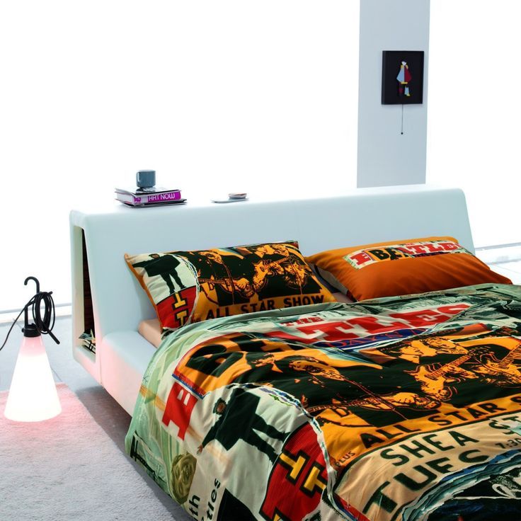 Bedroom decor beatles pinterest for Beatles bedroom ideas
