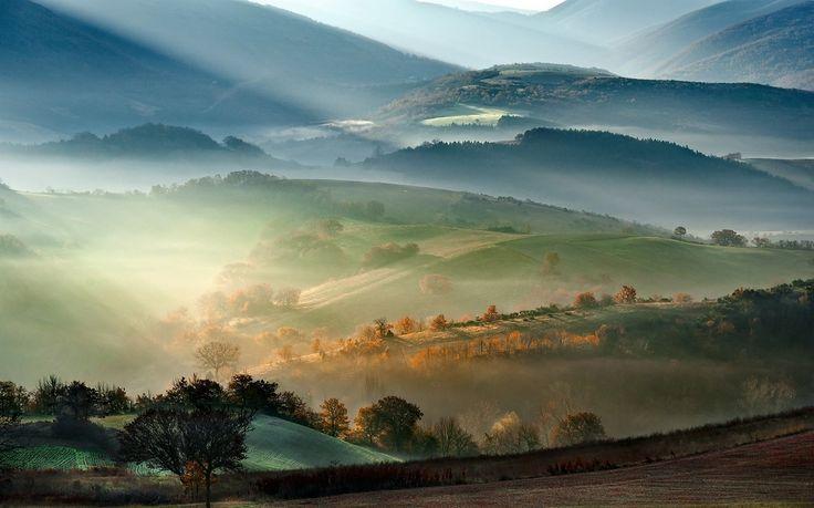 General 1300x812 nature landscape mist mountain sunrise fall field trees sun rays