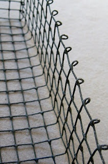Great DIY wire baskets - four corners design