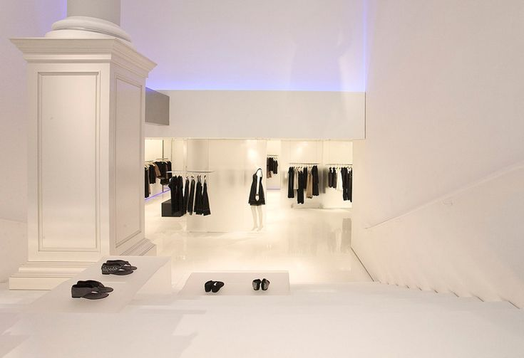 Vera Wang flagship store in Soho by Gabellini Sheppard Associates.