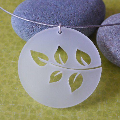 Plexiglas spring necklace - in leaves