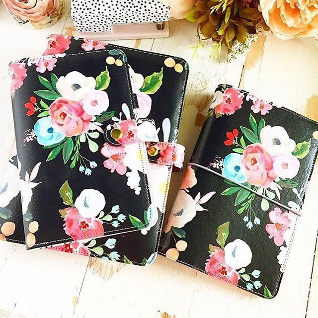 Who else got one? I ordered the personal size and the A5 as a gift for my mom for Christmas (I hope she doesn't read this) . Pre-orders end soon! so make sure you get yours. Check @theplannersociety for all the details #plannergirl #plannersociety #planneraddict #floralsforever #floralplanner