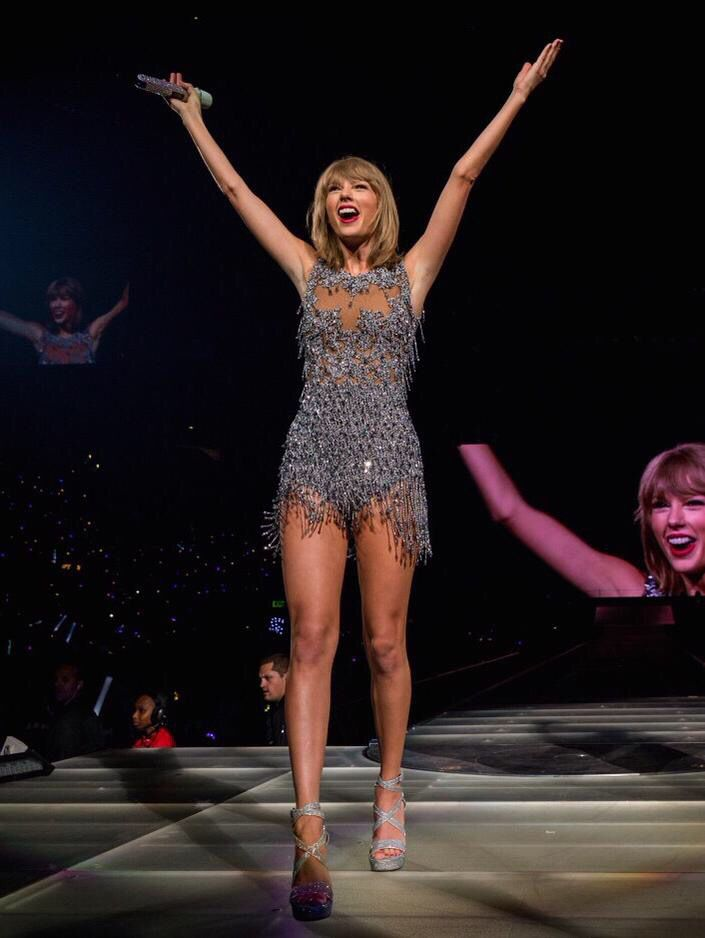 Taylor Swift - 1989 World Tour - Staples Center - Las Angeles, CA - New Style outfits #1989TourLA