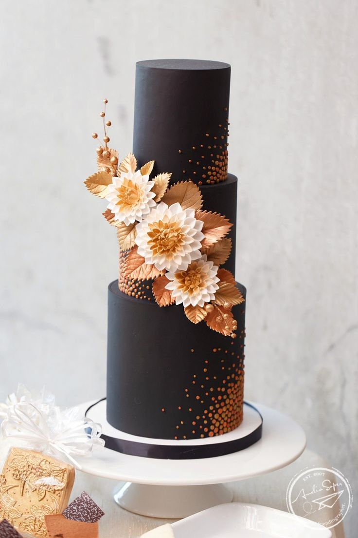 Wedding cake by Midori Bakery, Redmond, WA, black and copper