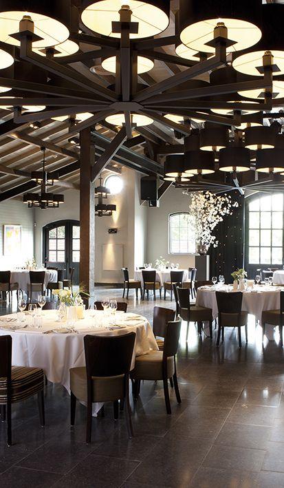 Het is heerlijk dineren in de trouwzalen van Mereveld. Hebben jullie de tafelschikking voor het huwelijksdiner al bedacht? #Mereveld Utrecht in TOP 5 populairste trouwlocaties van Nederland!
