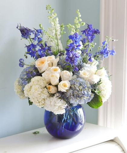 17 Best Ideas About White Floral Arrangements On Pinterest: Best 25+ Blue Flower Arrangements Ideas On Pinterest