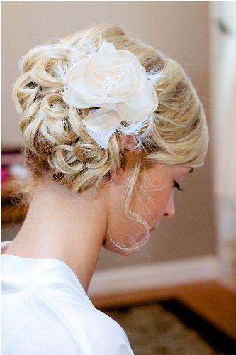 Wedding Hair Trends | Sideswept Bun | Perfect Wedding Guide Wedding Blog #realwedding