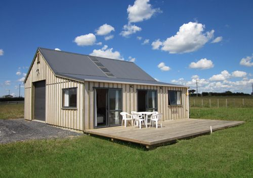 Deck for relaxing! Cute barn with accommodation