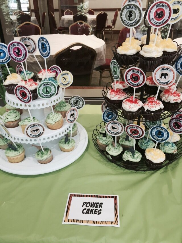 Power Cakes. Cupcakes with creature power discs and animals. #wildkratts
