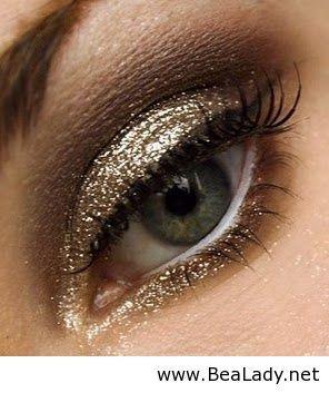 Gold glitter eyes
