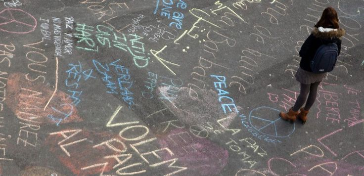 People of Brussels Are Chalking the Streets With Words of Hope in Wake of Terror Attack