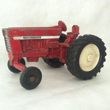 50s International Toy Tractor now featured on Fab.