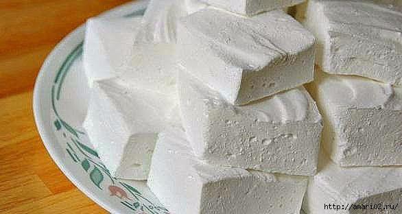Если вылюбите зефир , воспользуйтесьэтим рецептом. Получится очень вкусный нежный десерт по - домашнему. От такой вкуснятины не откажется ни стар, ни мал. Ингредиенты: сметана 200 гсахар 200 гжел…