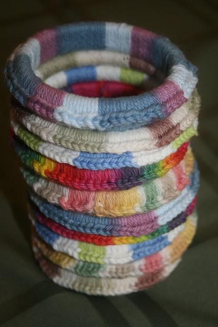 Pulseiras em crochet com aro de interior