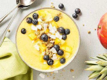 Sommer in deiner Schüssel! Mango-Smoothie-Bowl