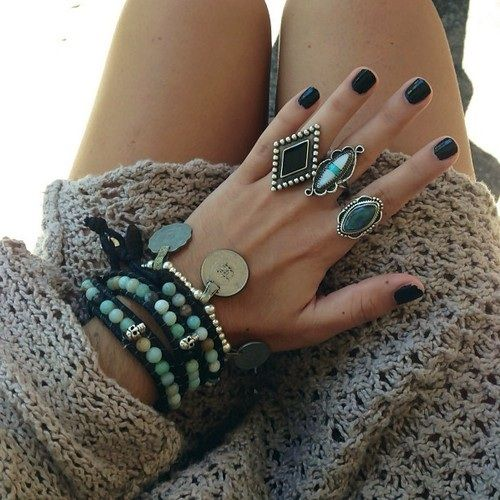 Beautiful black nails and jewelry for an edgy bohemian look!
