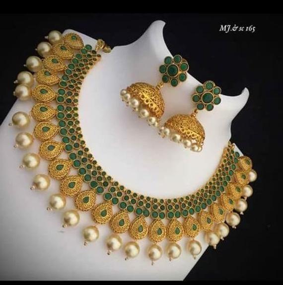 Traditional Indian Golden Necklace /& Earrings Jewelry Set For Women WeddingFestive Wear Beautiful Designer Choker Necklace Jewelry Set