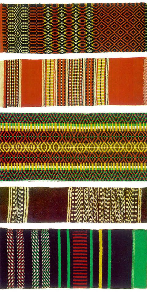 Wool weaving patterns from Alentejo. quintdoevaristo@gmail.com | Evora