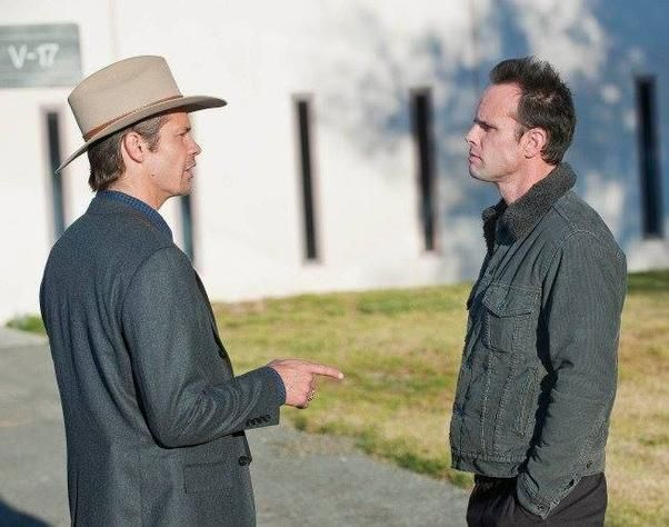 "What to Expect Tonight on ""Justified"" Season 5 - It's war between Deputy U.S. Marshall Raylan Givens and the gator-farming Crowe clan."